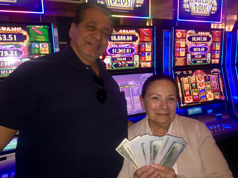 Jo Ann and Daniel V - Emerald Island Casino Winners